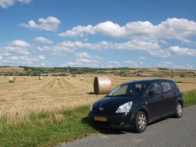 Toeren door het typisch Franse landschap.